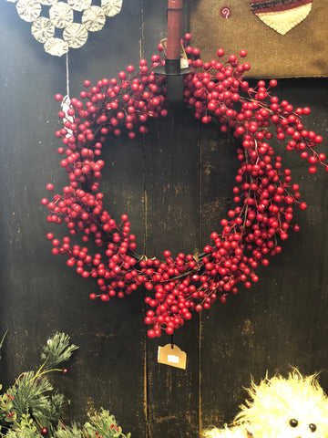 "18"" Matte Waterproof Berry Wreath"