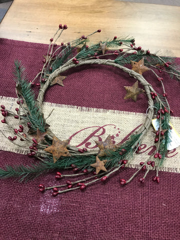 "6 1/2"" Pine/Berry/Star Wreath"