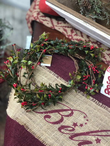 Boxwood & Pip Berry Candle Wreath