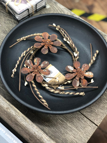 Rusty Flower Candle Ring - Large Flower