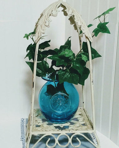 Dartington Daisy Blue Vase Crystal HandCrafted Mouth Blown  - 1