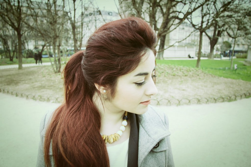 hair-red-collier-sur-les-toits-de-paris