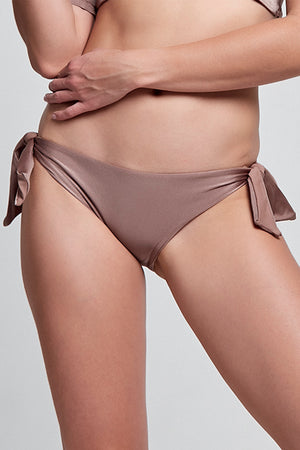 Constance Metallic Sand Bottom