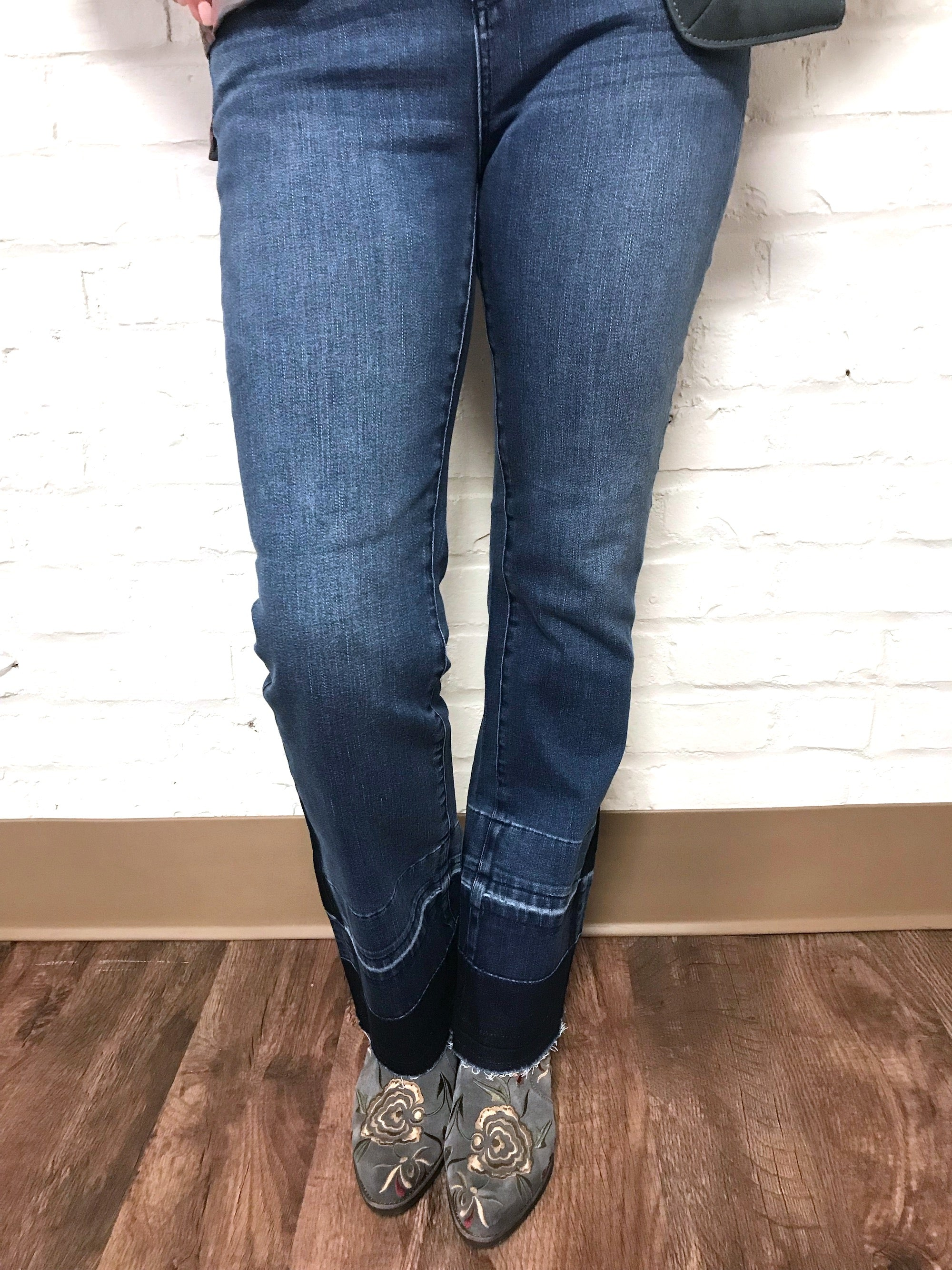 Lucy Kick Flare Jean