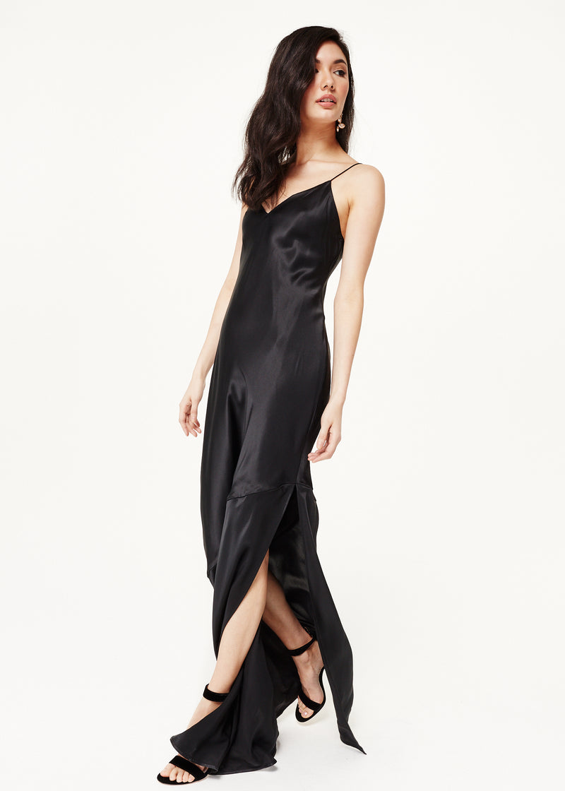 The Raven Gown Black