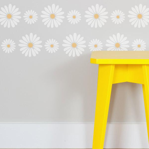 Daisy Border stencil from The Stencil Studio Ltd - Size XS