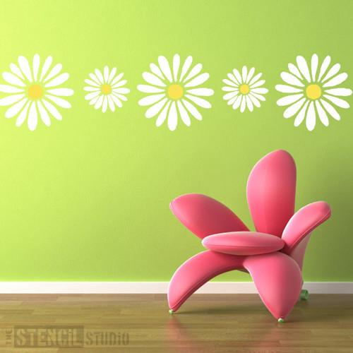 Daisy Border stencil from The Stencil Studio Ltd - Size L
