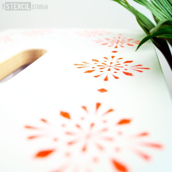 Indian star stencil MiNi from The Stencil Studio, small stencil design featuring two star patterns, close up
