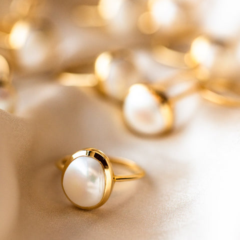 unique yellow gold pearl jewelry