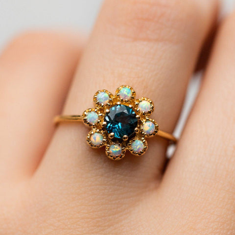 unique vintage inspired daisy ring
