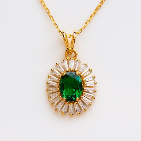 statement vintage inspired green pendant necklace