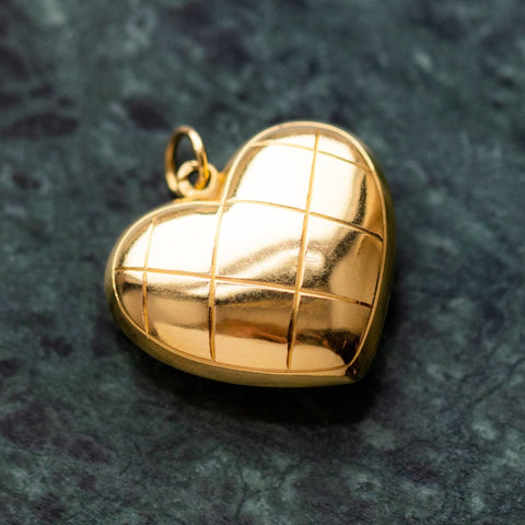 vintage engraved quilted heart pendant necklace yellow gold fine unique jewelry