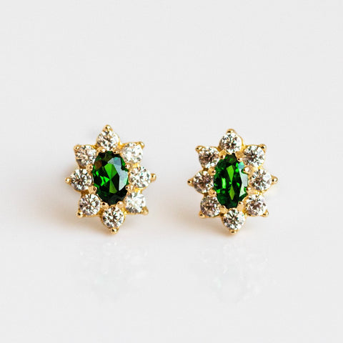 Local Eclectic - Solid 14K Yellow Gold Flower Emerald Stud Earrings - Amarilo