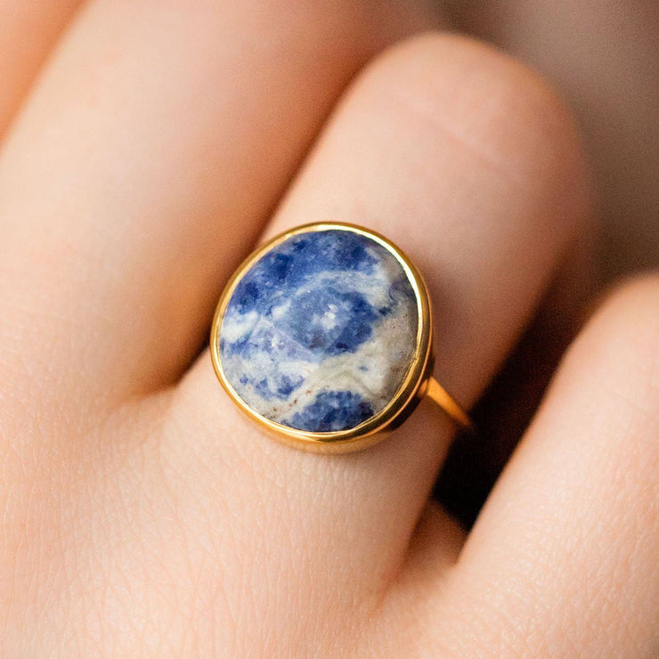 statement marbled sodalite ring statement modern yellow gold jewelry