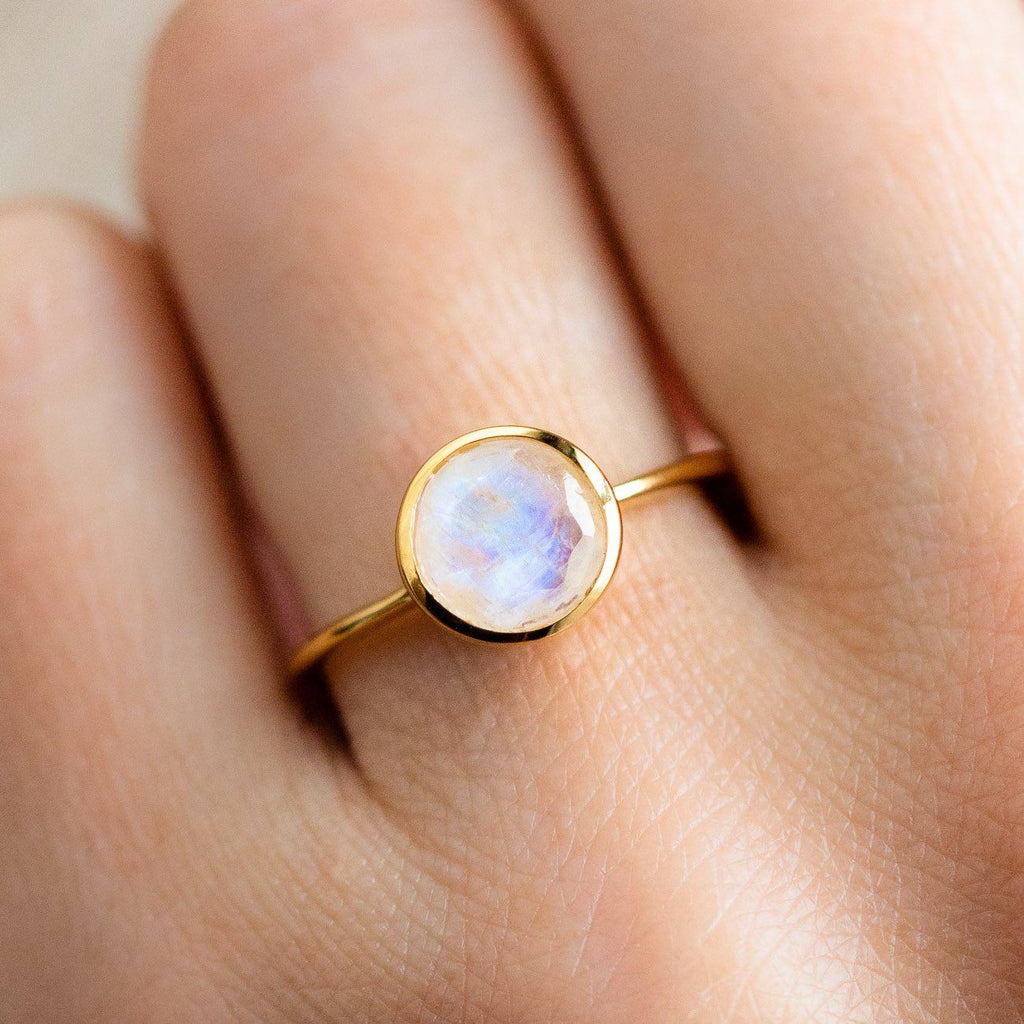 yellow gold modern classic round moonstone ring