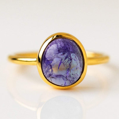 sweetie ring in tanzanite modern simple unique ring yellow gold jewlery