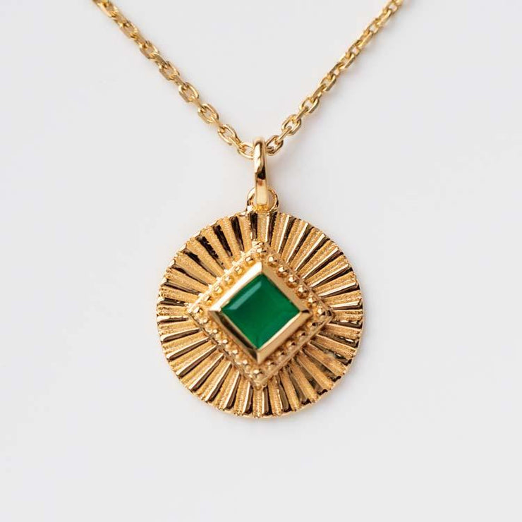 green onyx coin pendant necklace modern yellow gold statement jewelry\
