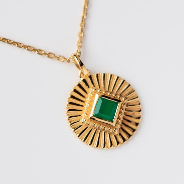 green onyx coin pendant necklace modern yellow gold statement jewelry