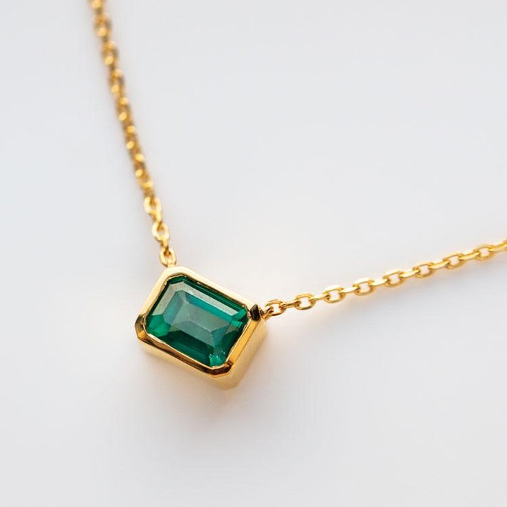 Supernova Necklace in green Topaz dainty modern yellow gold jewelry