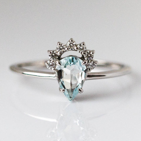 Pear Aquamarine Lily Ring in Silver