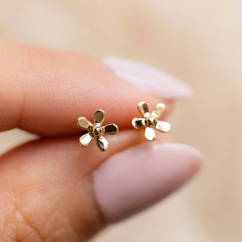 Solid Yellow Gold Daisy Stud Earrings Family Gold Floral Fine Jewelry