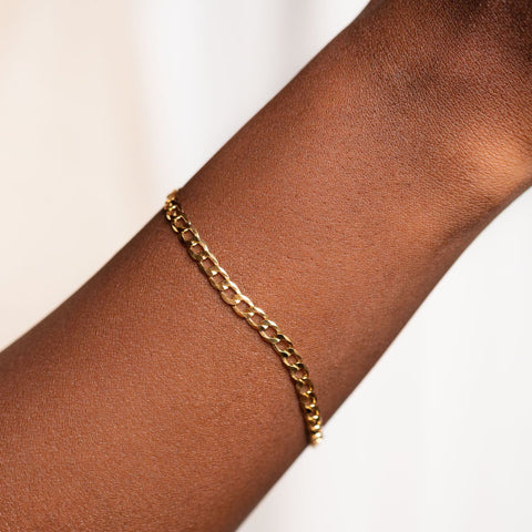 The Curb Link Bracelet modern yellow gold minimal jewelry\