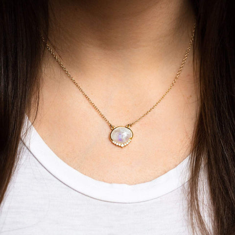 Anni Moonstone Necklace