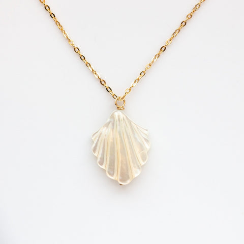 Coquille Necklace