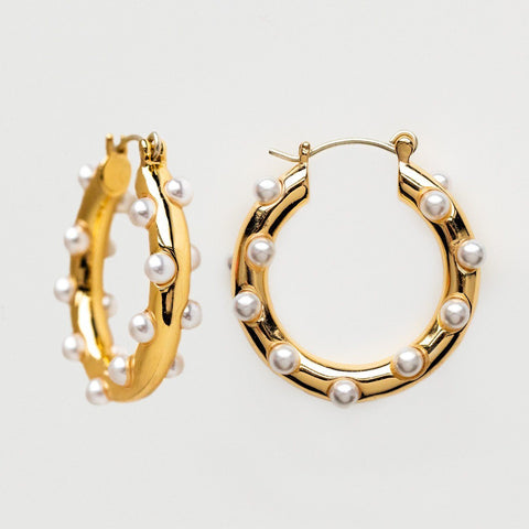 Pearl Poppy Classic Modern Yellow Gold Hoop Lili Claspe