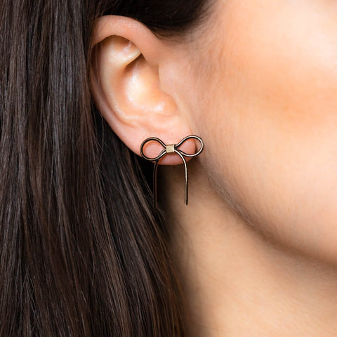 Beaux Earrings in Black