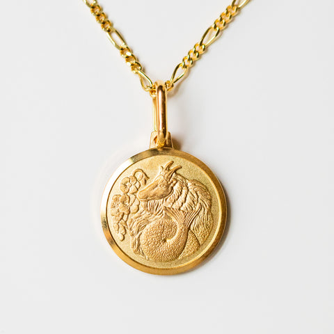 capricorn unique yellow gold horoscope pendant necklace with figaro chain