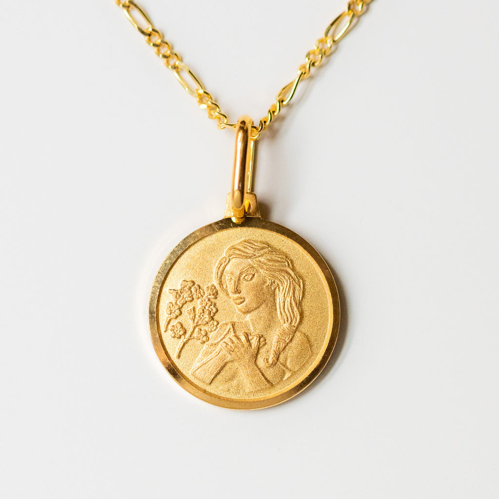 virgo unique yellow gold horoscope pendant necklace with figaro chain