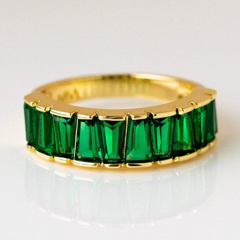 Emerald green queens band ring yellow gold statement rings