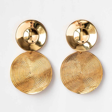 Round Stud Earrings in Yellow Gold