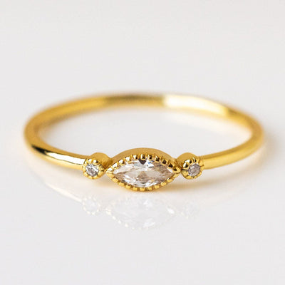 Oval Jasmin Ring dainty yellow gold modern jewelry