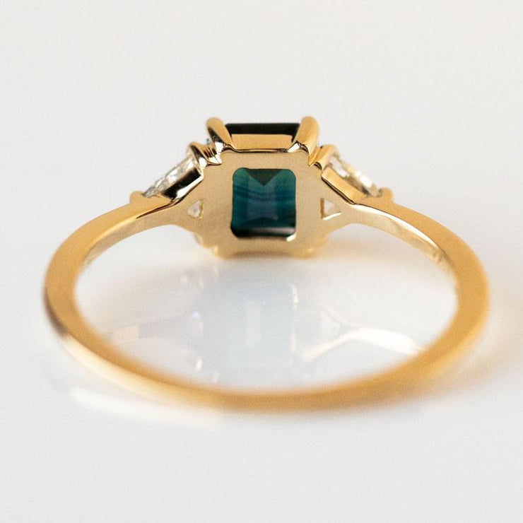 Icaria Ring with Sapphire solid yellow gold engagement jewelry