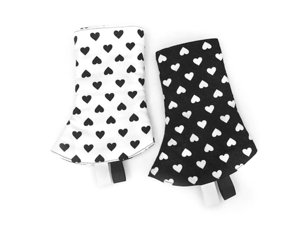 PRE-ORDER Drool Pads Black White Love