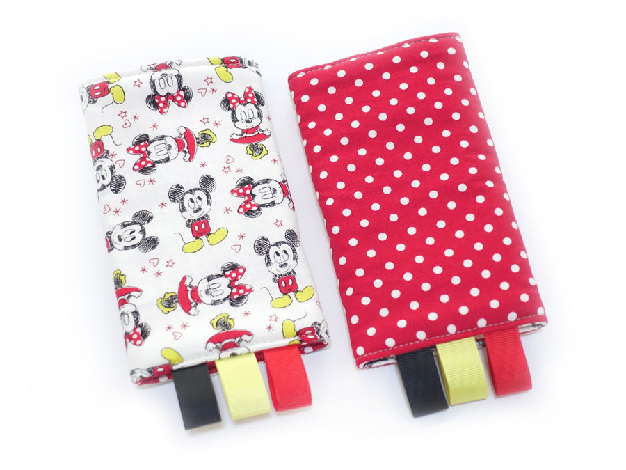 PRE-ORDER Drool Pads Mickey Minnie White