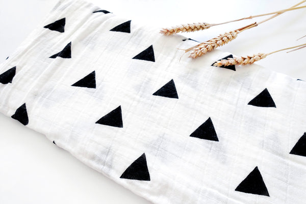 Swaddle Mono Triangle