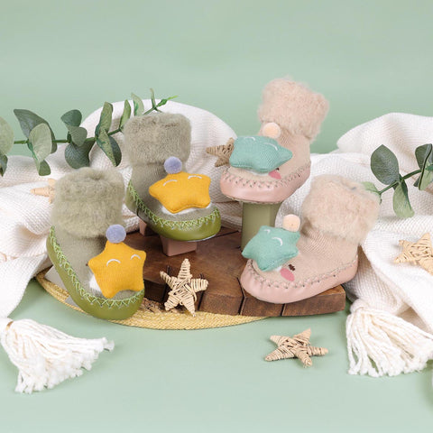 Cozy Star Cream & Green 3D Booties - 2 Pack (0-24 Months)