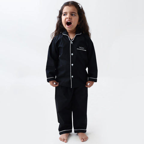 products/LW9560PJClassicBlackPajamaSet2.jpg