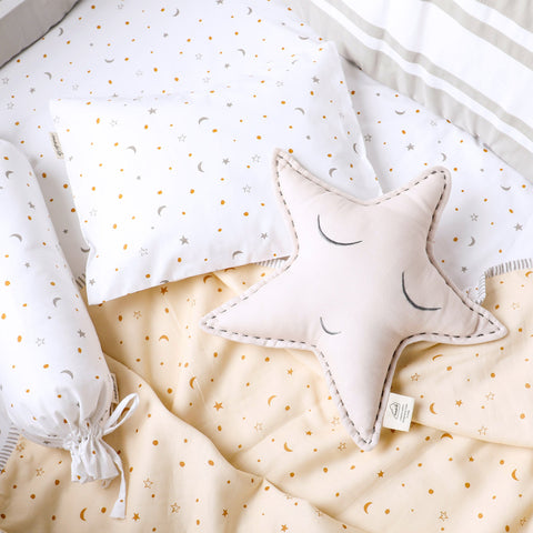 Masilo Organic Shape Cushion - Sleepy Star (Cream)