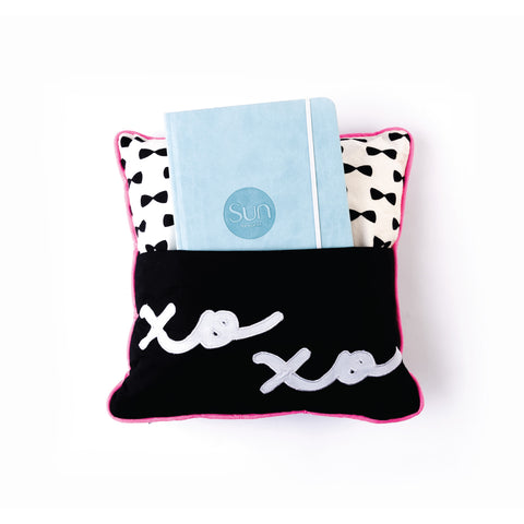products/Pocket_Pillow_-_XOXO_Pillow-02.jpg