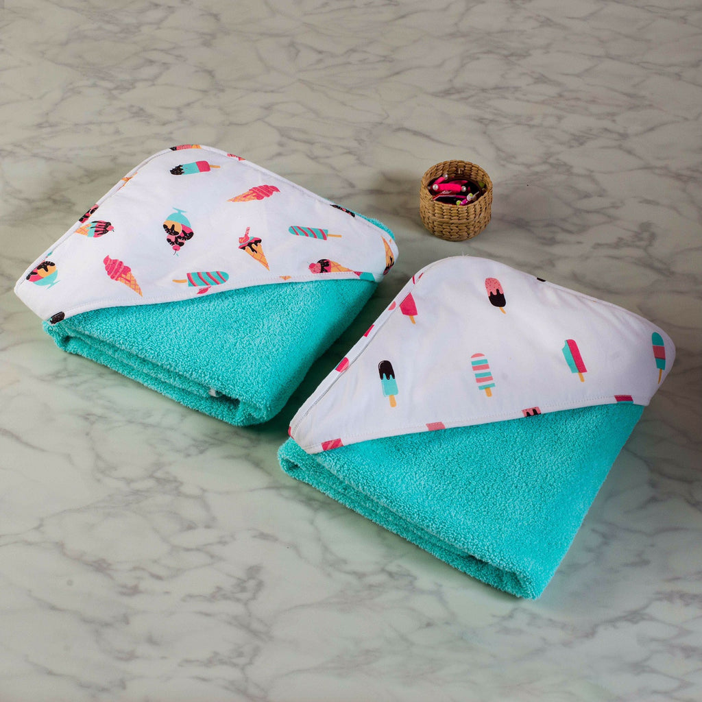 Scoops & Smiles Towel Set