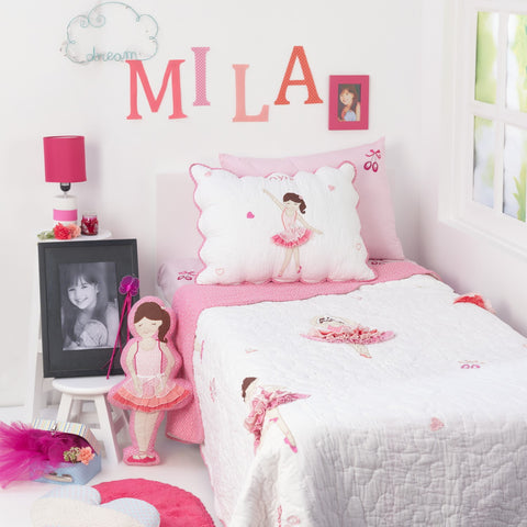 products/Twirls_n_Swirls_Bedding_Collection.jpg