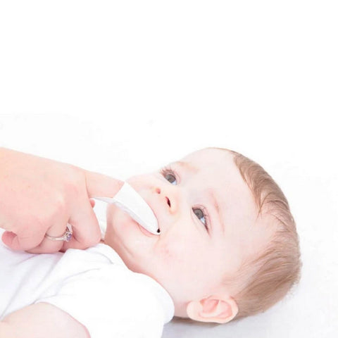 products/teething_wipes_brush-baby_best_teething_care_for_babies_-_lifestyle_620x_d2e971d7-8cc1-4381-bb44-b33213ceef16.jpg