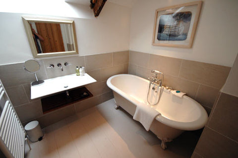 Main bathroom, cheval roc house. St.I:ves cottages
