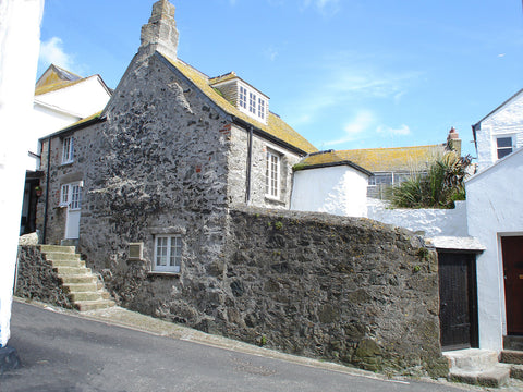 The Oldest House, St.Ives. Private parking for 2 cars.