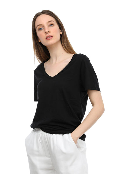 Tru V Yakalı T-shirt-Libas Trendy Fashion Store