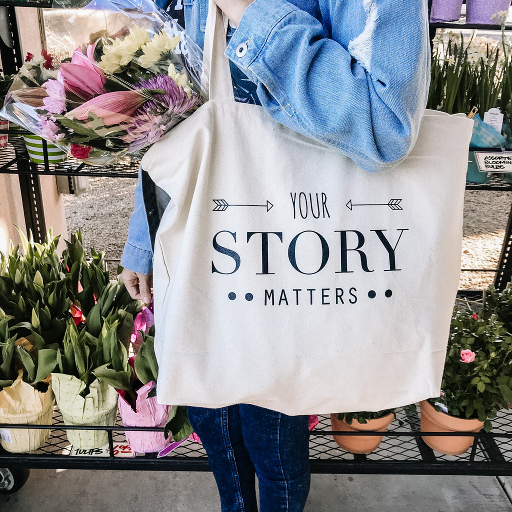 YOUR STORY MATTERS, Large Zipper Tote